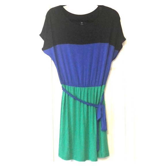 Kensie Dresses & Skirts - Kensie color block dress NWOT